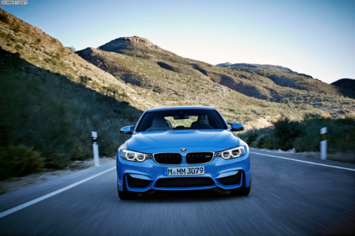 2014-BMW-M3-F80-Yas-Marina-Blue-Limousine-F30-01-655x436