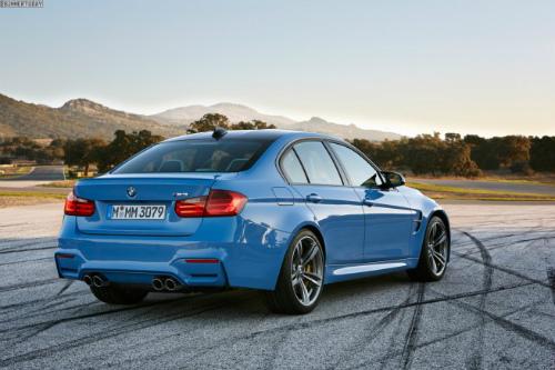 2014-BMW-M3-F80-Yas-Marina-Blue-Limousine-F30-09-655x436