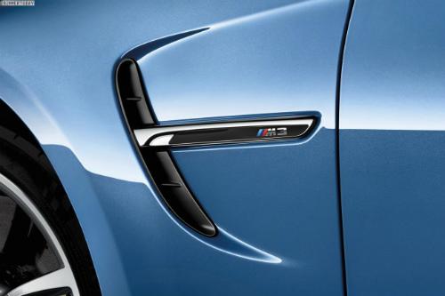 2014-BMW-M3-Limousine-F80-Yas-Marina-Blau-F30-01-655x436