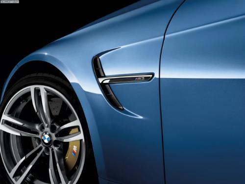2014-BMW-M3-Limousine-F80-Yas-Marina-Blau-F30-07-655x491