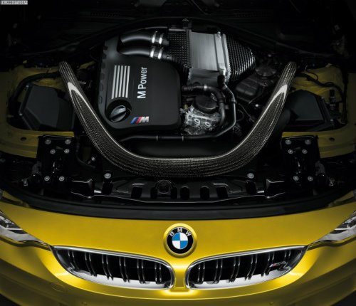 2014-BMW-M4-Coupe-F82-Motor-BMW-S65-Biturbo-R6-655x563