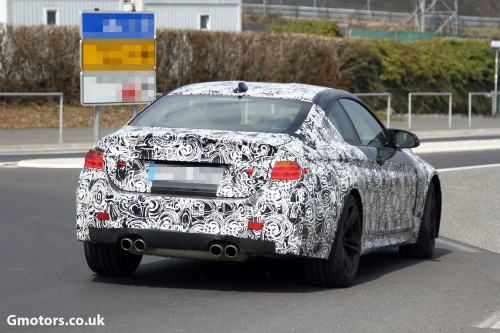 2014-BMW-M4-rear-2