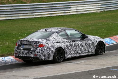 2014-BMW-M4-rear-side-5-2