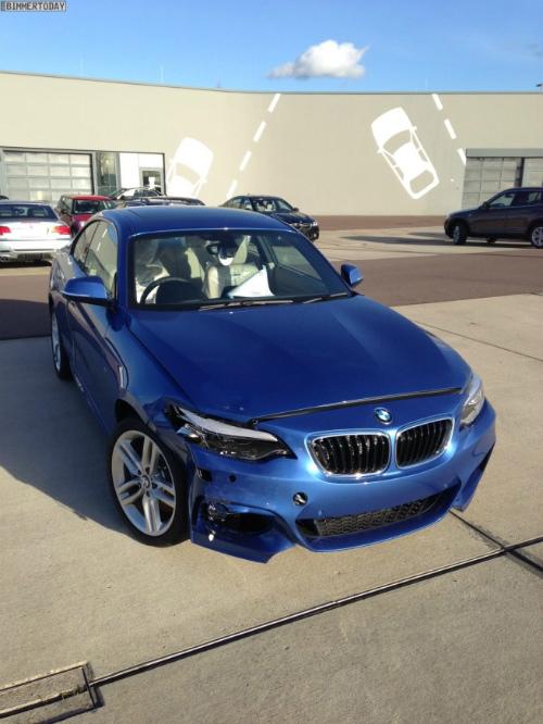 BMW-2er-M-Sportpaket-F22-Estorilblau-Live-Fotos-RHD-2-655x873