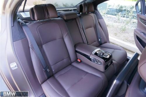 BMW-Frozen-Bronze-Metallic-7er-F02-LCI-2013-Innenraum-Details-05-655x434-2