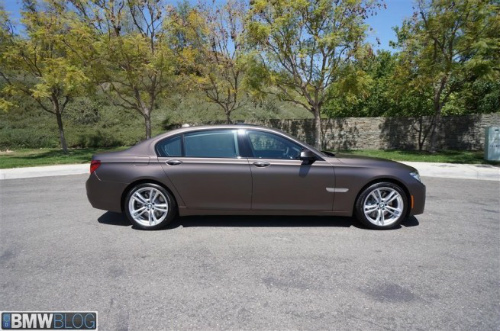 BMW-Frozen-Bronze-Metallic-7er-F02-LCI-2013-matt-USA-06-655x434-2