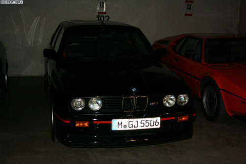 BMW-M-Garage-Garching-07-655x436-2