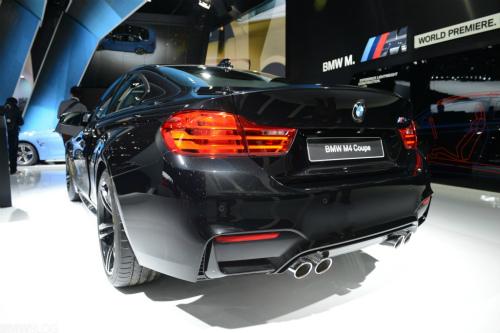 bmw-m4-black-detroit-auto-show12-1024x683