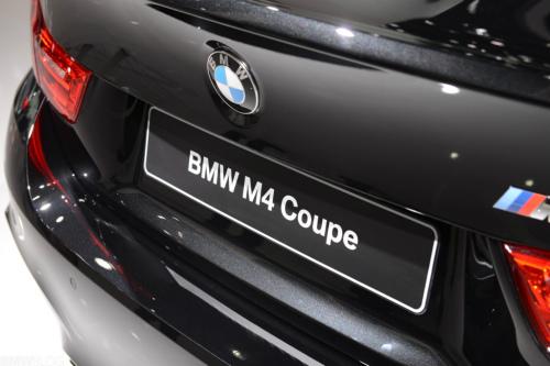 bmw-m4-black-detroit-auto-show33-1024x683